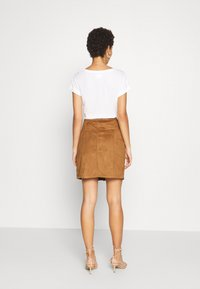 s.Oliver - KURZ - Pencil skirt - brown - 2