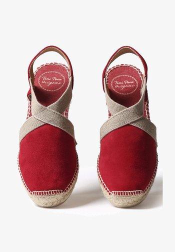TONA - Wedge sandals - red