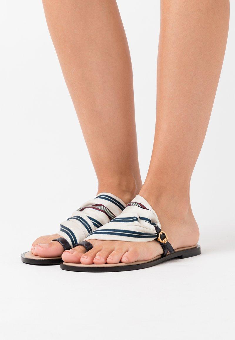 Tory Burch - SELBY SCARF  - Sandály s odděleným palcem - perfect navy