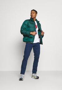 Wrangler - TEXAS - Slim fit jeans - red corvette - 1