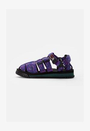 HIKER - Sandalias - purple wave
