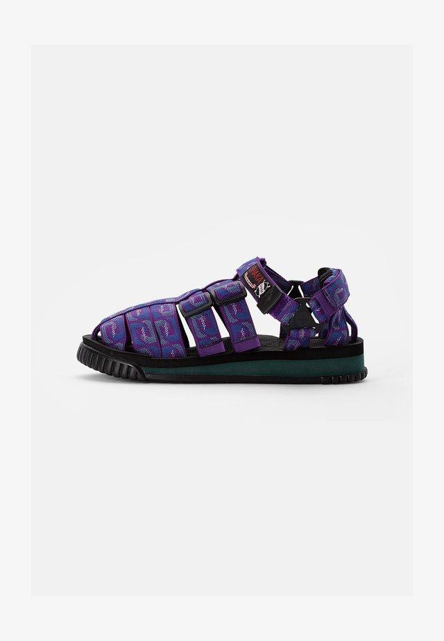 HIKER - Sandalen - purple wave