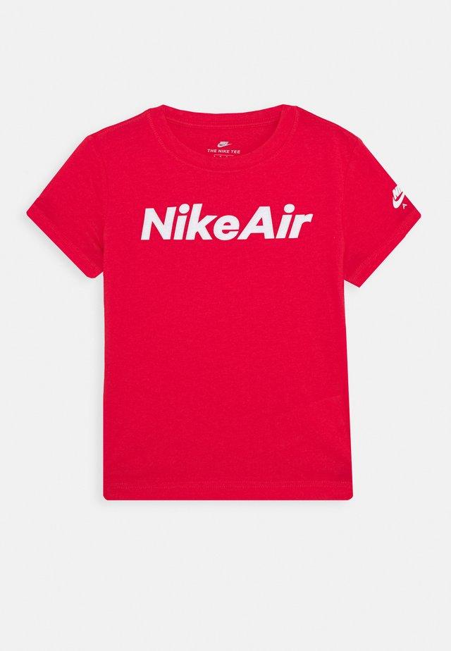 TEE - T-shirt z nadrukiem - university red