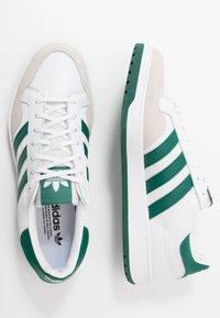 adidas Originals - TEAM COURT - Baskets basses - footwear white/collegiate green - 1