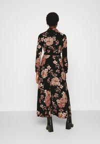 Vero Moda - VMSUNILLA BELT ANCLE DRESS - Maxi šaty - black - 2