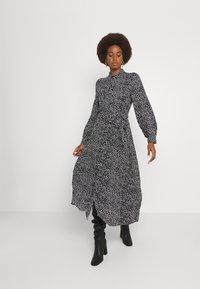 Vero Moda Tall - VMVICA SHIRT DRESS - Maxi dress - black - 0