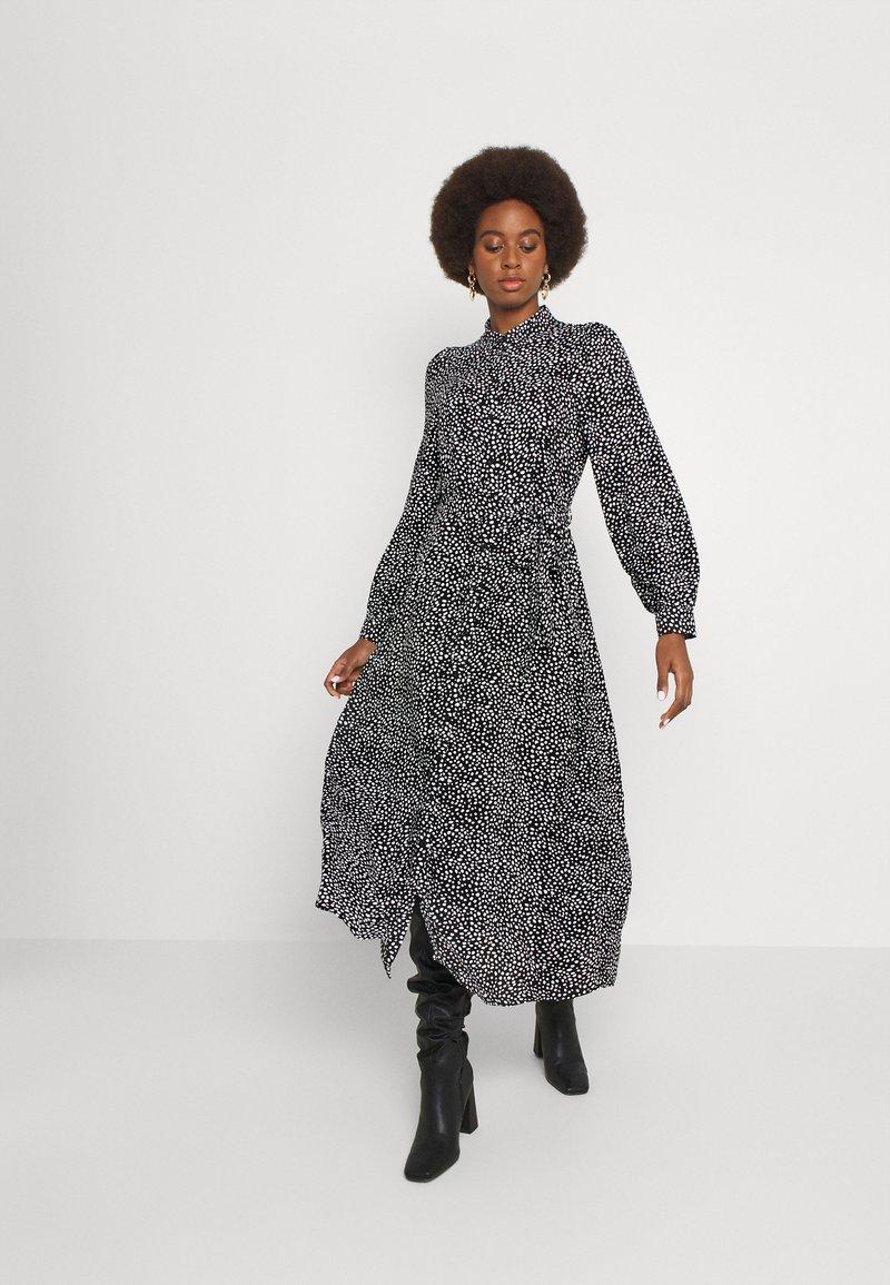 Vero Moda Tall - VMVICA SHIRT DRESS - Maxi dress - black