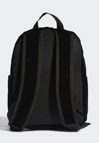adidas Originals - SMALL VELOUR ADICOLOR - Batoh - black/gold met. - 1