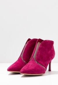 Tamaris - Boots à talons - cranberry - 3
