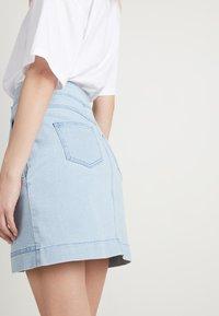 Tezenis - HOHEM BUND UND REISSVERSCHLUSS - Denim skirt - light jeans - 2