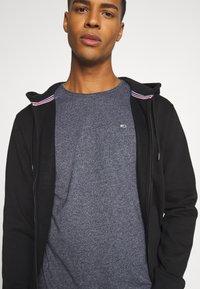 Tommy Jeans - SLIM JASPE C NECK - Basic T-shirt - twilight navy - 3