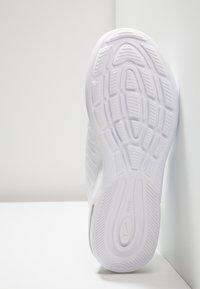 Nike Sportswear - AIR MAX AXIS - Trainers - white/black - 4