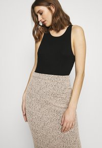 Banana Republic - PENCIL - Pencil skirt - neutral leopard - 3