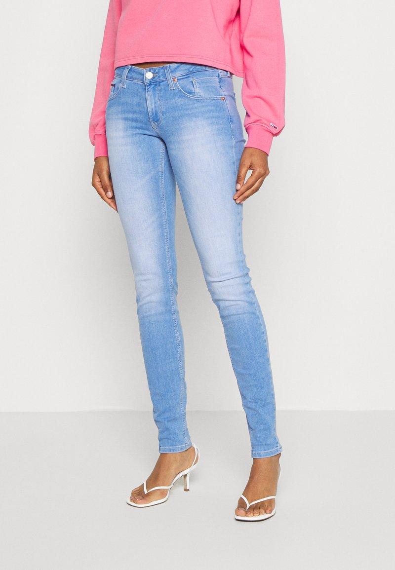 Tommy Jeans - SCARLET - Jeansy Skinny Fit - maldive light blue