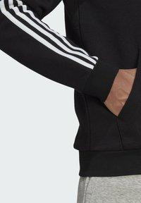 adidas Performance - 3 STRIPES FLEECE FULL ZIP ESSENTIALS SPORTS TRACK JACKET HOODIE - Vetoketjullinen college - black - 5