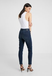 DRYKORN - WET - Jeansy Skinny Fit - mid blue wash - 2