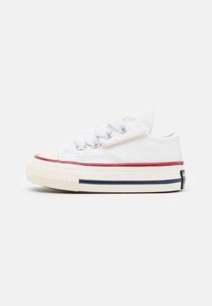 CHUCK 70 VINTAGE UNISEX - Sneakers laag - white/black/egret