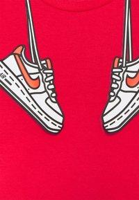 Nike Sportswear - SET - Shorts - black - 3
