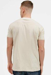 Kings Will Dream - 2PACK - Print T-shirt - oatmeal / black - 5