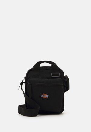 MOREAUVILLE - Across body bag - black