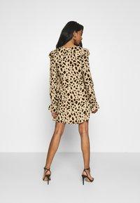 NA-KD - WRAPPED FRILL DRESS - Denní šaty - multi-coloured - 2