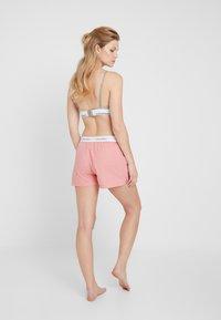 Calvin Klein Underwear - SLEEP SHORT - Pyjama bottoms - pomelo heather - 2