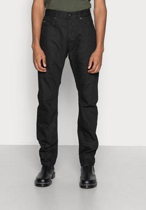 STAQ TAPERED - Jeans fuselé - relz black denim pitch black