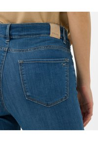 BRAX - SHAKIRA  - Slim fit jeans - used light blue - 4