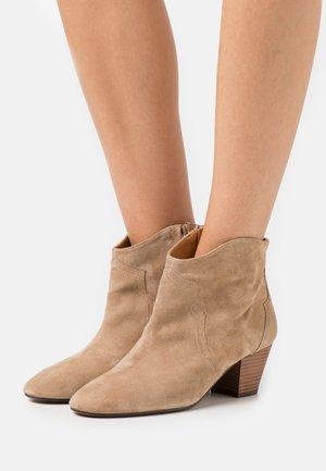 Boots à talons - basket bambi