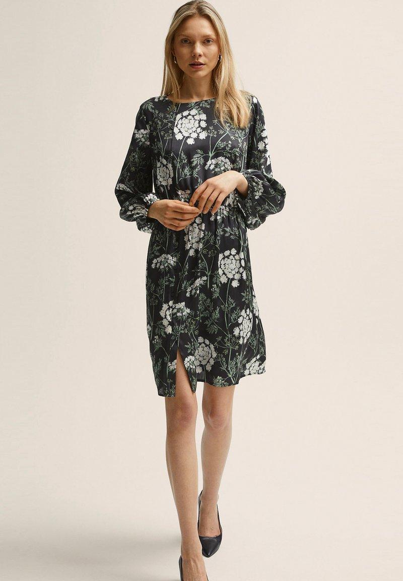 STOCKH LM - Day dress - flower print