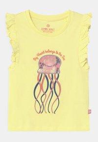 Lemon Beret - SMALL GIRLS - T-shirt print - yellow pear - 0
