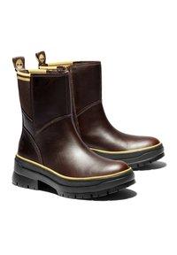 Timberland - Korte laarzen - brown - 1