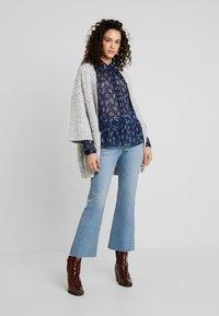 YAS - YASRICHA - Button-down blouse - navy blazer - 1