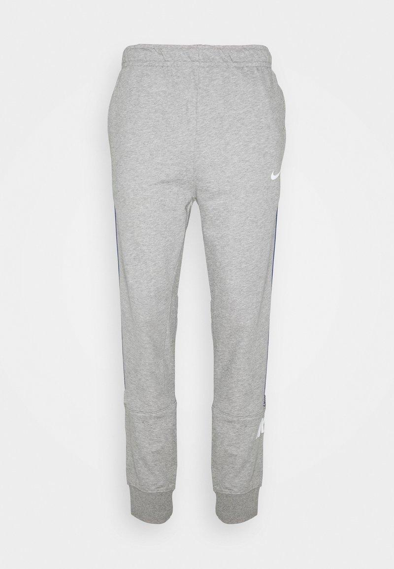 Nike Sportswear - REPEAT  - Verryttelyhousut - grey heather