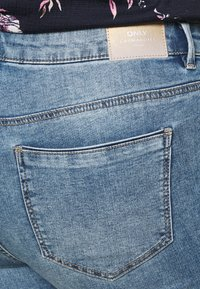 ONLY Carmakoma - CARSALLY LIFE - Jeans Skinny Fit - light blue - 3