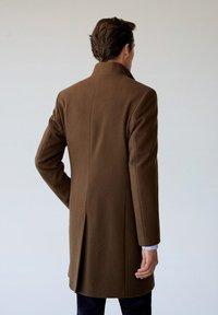 Mango - FUNNEL - Classic coat - mittelbraun - 2