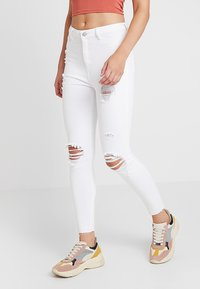 New Look - RIPPED HALLLIE DISCO MINNIE - Jeans Skinny Fit - white - 0