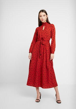 HIGH NECK BELTED DRESS - Day dress - rust/black