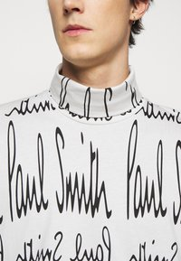 Paul Smith - GENTS ROLL NECK ARCHIVE LOGO PRINT - Long sleeved top - white/black - 5