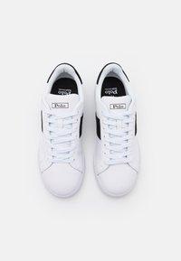Polo Ralph Lauren - HERITAGE COURT UNISEX - Sneakersy niskie - white/black - 3