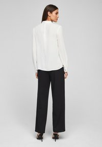 s.Oliver BLACK LABEL - MIT CHIFFON-BLENDE - Long sleeved top - cream - 2