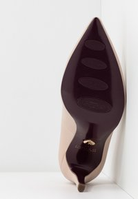 Tamaris Heart & Sole - COURT SHOE - Lodičky na vysokém podpatku - nude - 6