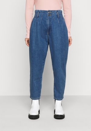 ONLPLEAT CARROW - Jeans baggy - medium blue denim