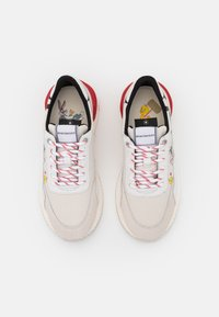 MOA - Master of Arts - RUNNING - Trainers - white/red - 4