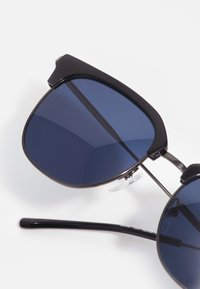 Lacoste - Sunglasses - dark grey - 2
