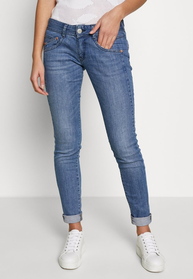 GILA SLIM STRETCH - Slim fit jeans - true blue