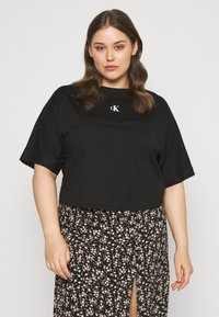 Calvin Klein Jeans Plus - PLUS PUFF BACK LOGO TEE - Print T-shirt - black - 0