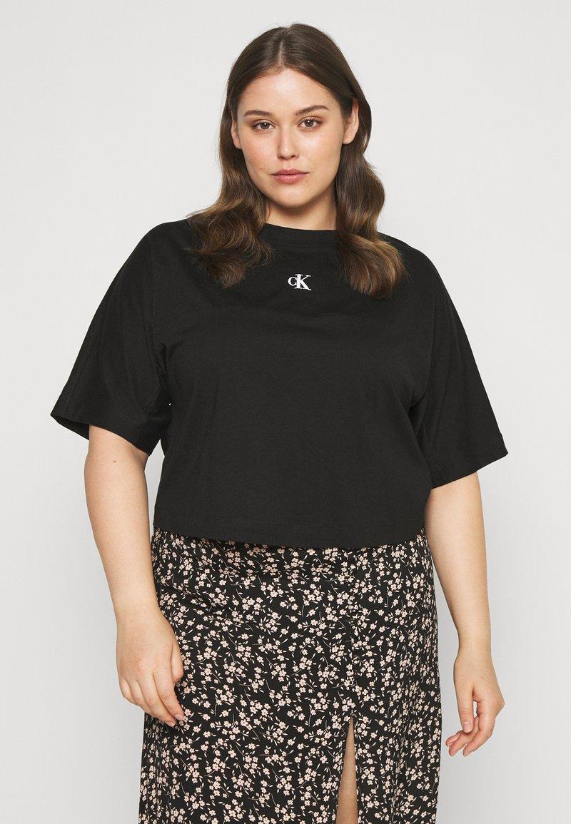 Calvin Klein Jeans Plus - PLUS PUFF BACK LOGO TEE - Print T-shirt - black