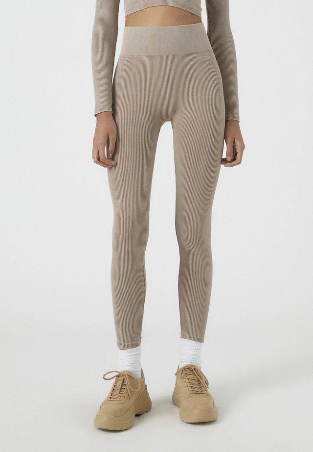 SOUL MOVING - Leggings - Trousers - brown