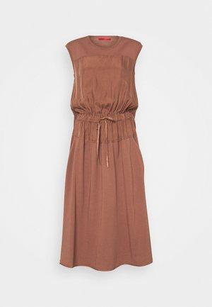 CLARISSA - Korte jurk - old rosa